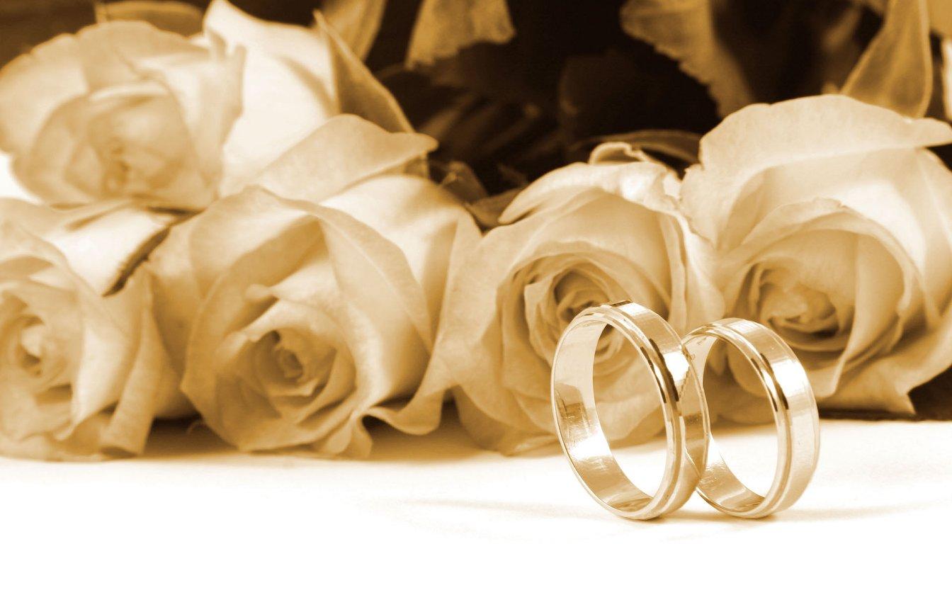 Sfondi Anniversario Di Matrimonio.Ecco Come Festeggiare L Anniversario Di Matrimonio In